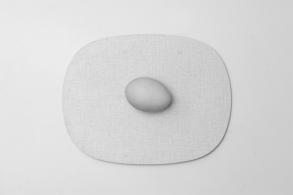 Daniel Angermann –Oliviero Toscani – Egg