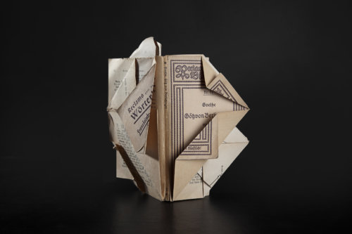 Reclam | Paper | Book | Folded