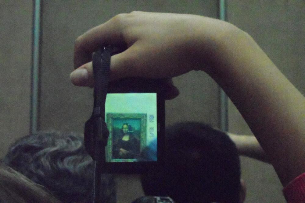 Daniel Angermann – Mona Lisa Louvre A MOMENT IN MONA LISA'S LIFE – Louvre
