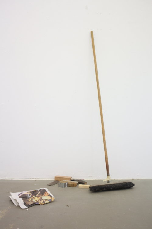 Daniel Angermann | Lehner |Besen |Installation