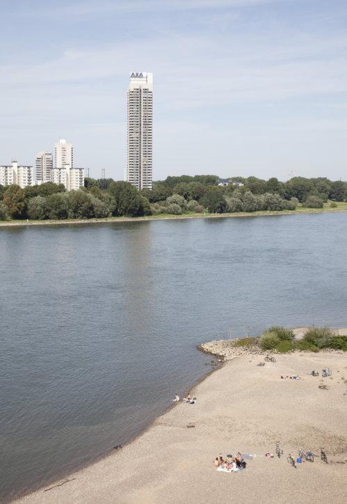 Rhein |Köln |Axa |Hochhaus